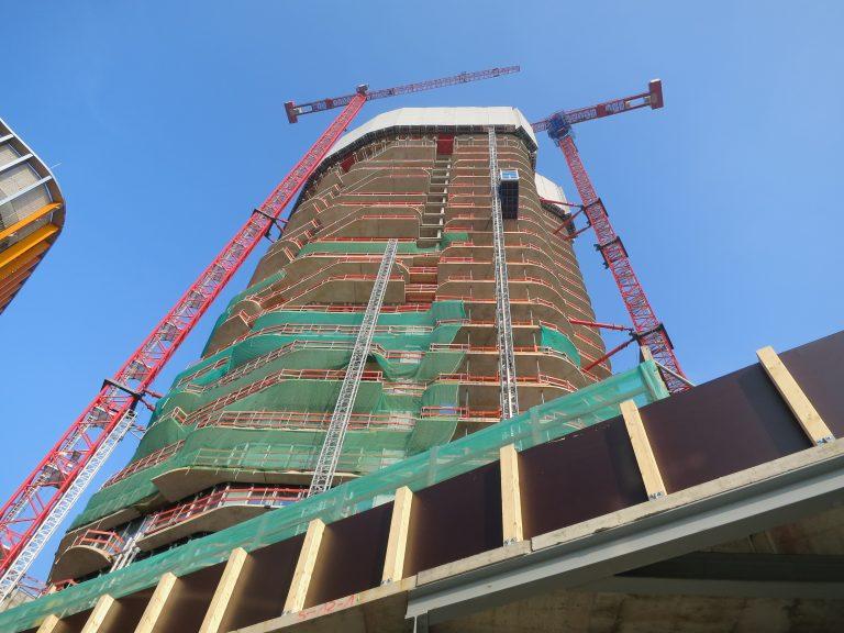 Foto vom Grand Tower, dessen Bau mit zwei 420 e.tronic per Webcam verfolgt werden can