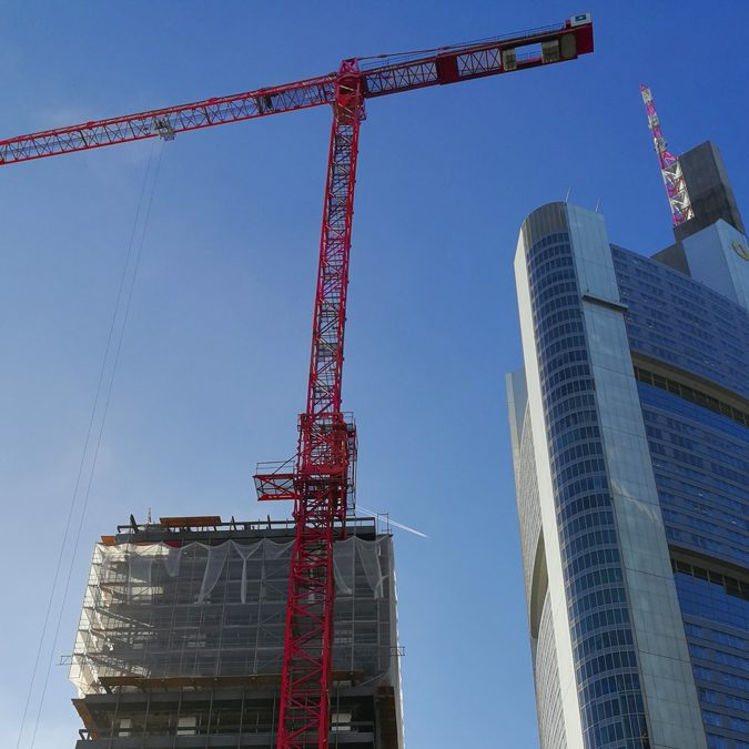 Picture of our WT 420 e.tronic during the deconstruction of Deutsche Bank IBCF in Frankfurt
