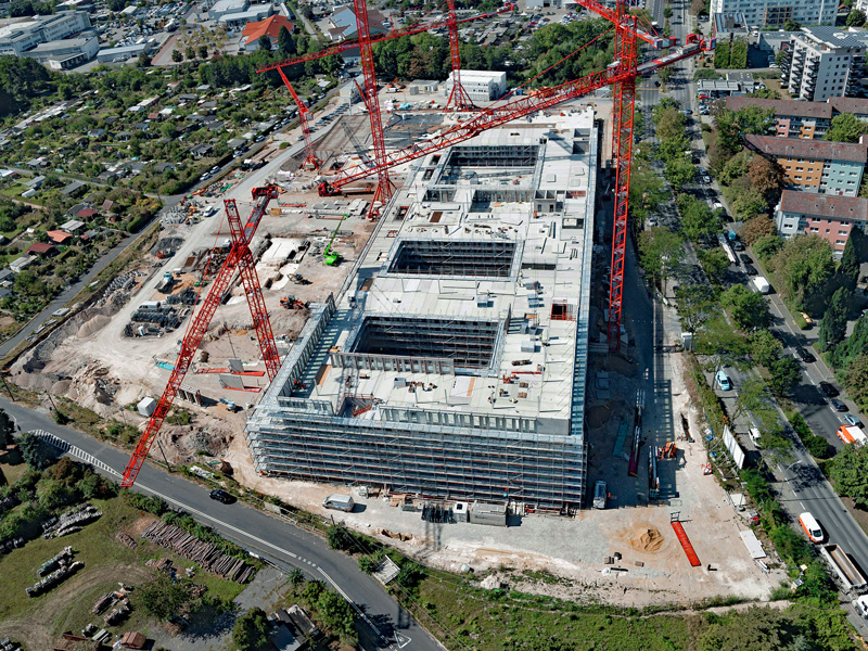 Aerial view of the Offenbach police headquarters major construction site with 5 WT 650 e.tronic